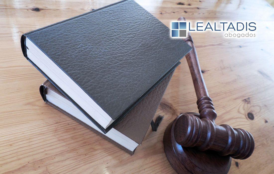 Un juez exonera de todas sus deudas a un matrimonio almeriense arruinado por la crisis económica