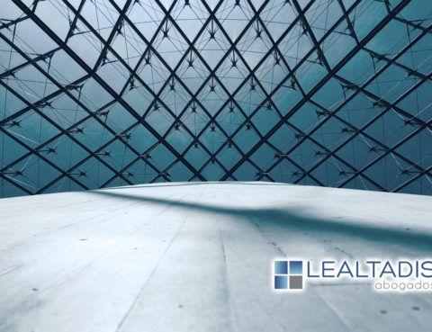 De la inscripción de liquidación de sociedades mercantiles con la hoja registral cerrada por la baja provisional en el índice de entidades de la AEAT o en su caso, por la falta del depósito de las cuentas anuales.