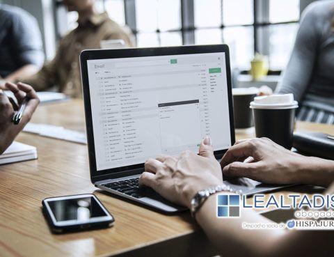 El tratamiento de datos personales con fines comerciales o publicitarios